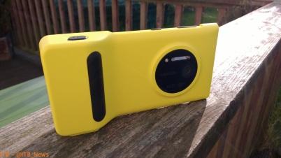 The Lumia 1020 Camera Grip